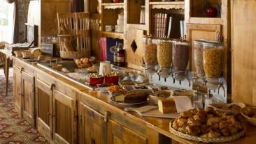 hotel_carlina_la_clusaz_petit_dejeuner_buffet