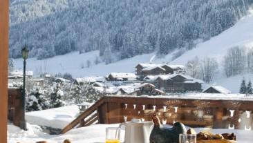 hotel_carlina_la_clusaz_petit_dejeuner_hiver